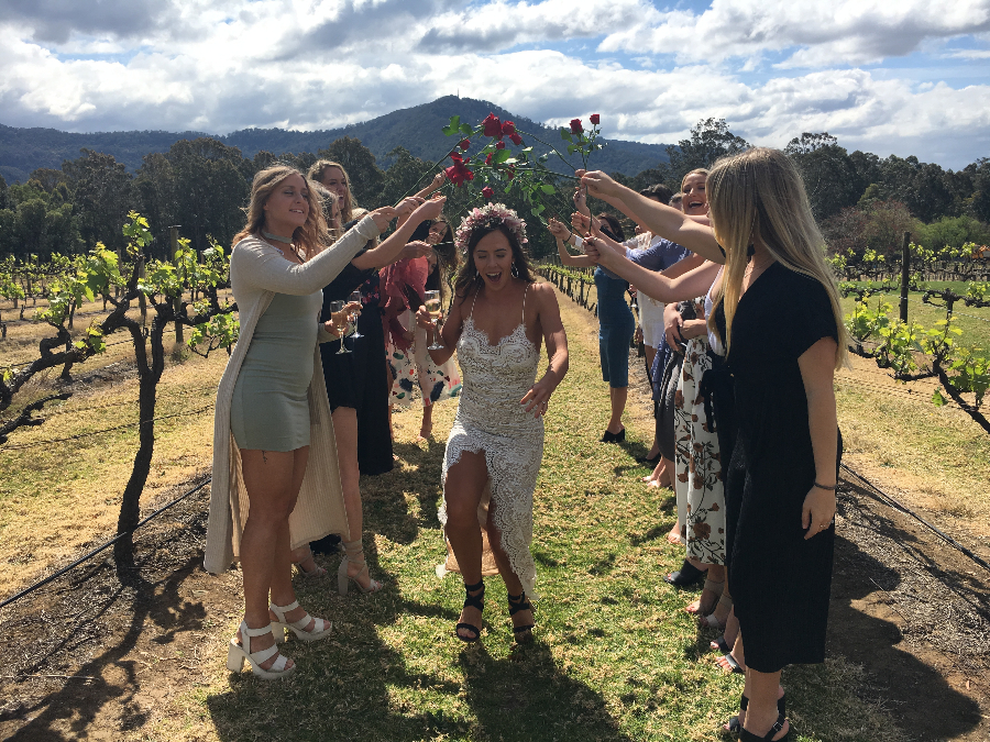 Girls-only-wine-tours-in-berry